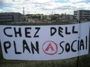 Banderolle devant le site de Dell à Montpellier lors de la manifestation du 24 avril 2009 (photo : Mj)