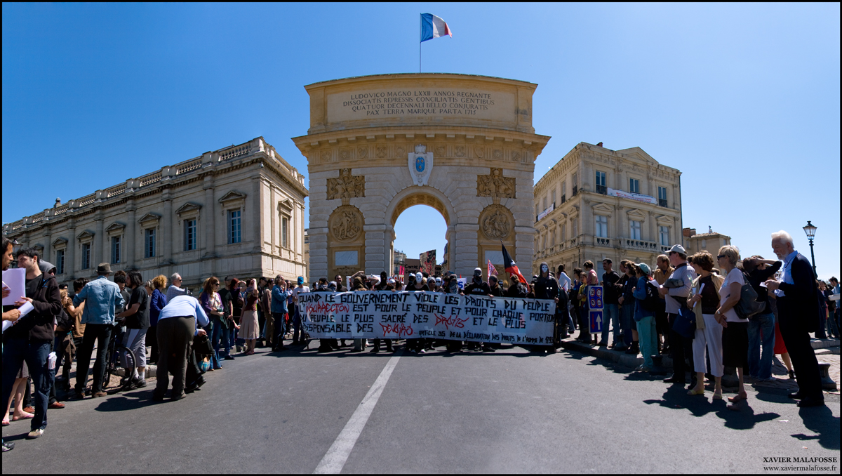 Parti du Peyrou, le cortège est revenu au point de départ pour un apéro (photo : Xavier Malafosse)