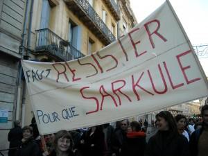 Une des nombreuses banderolles (photo : Mj)