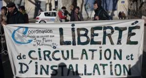 """Manifestation le 6 février 2010 à Montpellier """"pour la régularisation de tous les sans-papiers"""" (photo : Mj)"""