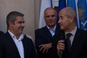 Yannick Povillon (chemise blanche) et Christian Bourquin (avec le micro) lors de l'inauguration des locaux du Club de la presse de Montpellier (photo : Mj)