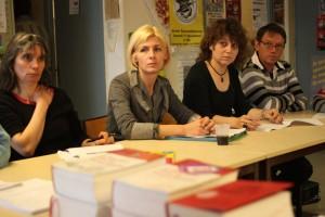 Des membres du collectif des précaires de l'Education nationale et leur avocate (deuxième en partant de la gauche) le 16 mars lors d'une conférence de presse à Montpellier (photo : J.-O. T.)