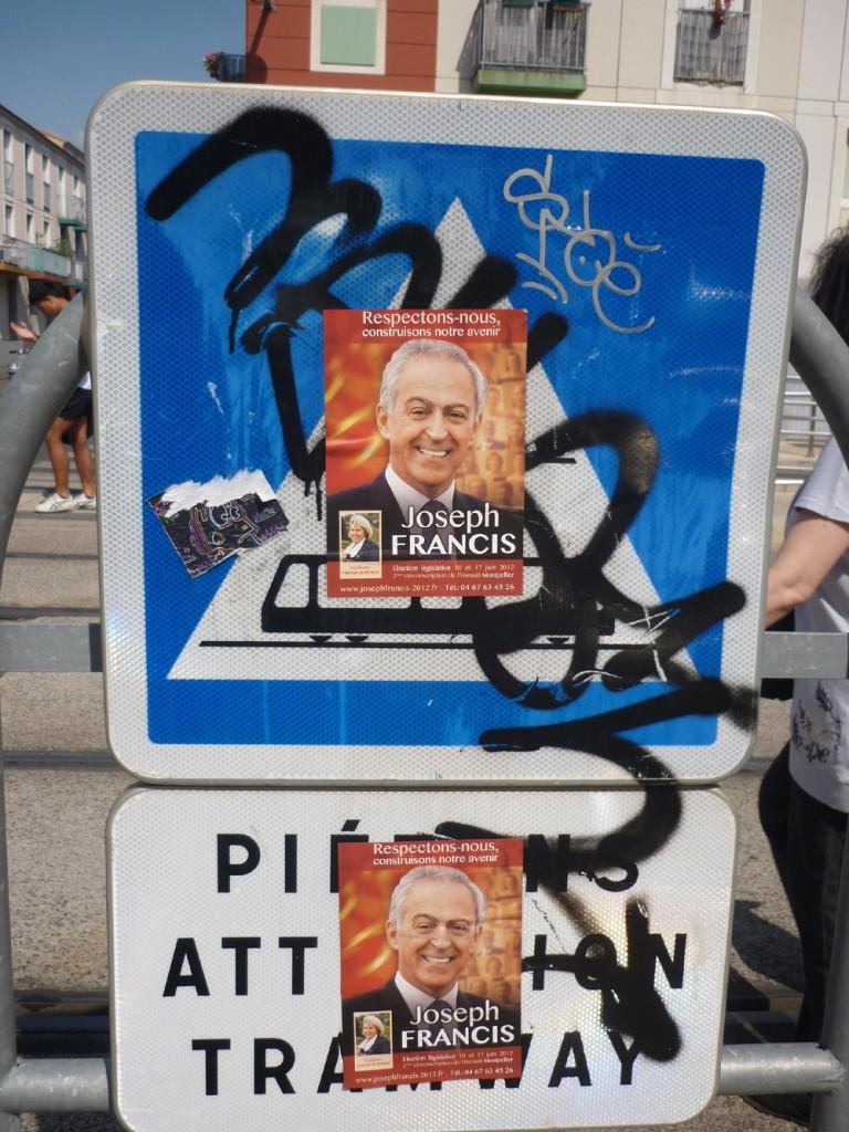 Affichage sauvage du candidat Joseph Francis pour les législatives 2012 (photo : J.-O. T.)