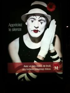 Campagne de publicité de la mairie de Montpellier sur le silence, été 2012 (montage : Gumguts)