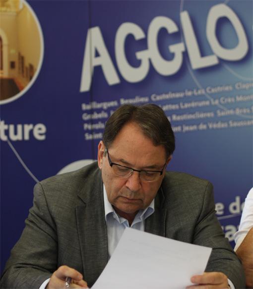 Jacques Martin lors d'une conférence de presse de Jean-Pierre Moure le 22 juin 2012 (photo : J.-O. T.)