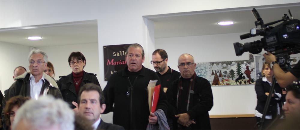 Alain Simon (FADUC), Nadine Fraysse (FADUC), André Deljarry (CCI), Jean-Pierre Touchat et Marc Sentourens à la conférence de presse de Jean-Pierre Moure sur la CFE le 13 novembre 2012 (photo : J.-O. T.)