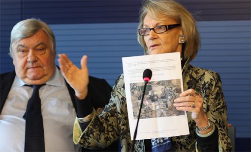 Louis Nicollin et Hélène Mandroux le 13 décembre 2011 lors de l'annonce de la vente de Grammont au MHSC (photo : J.-O. T.)