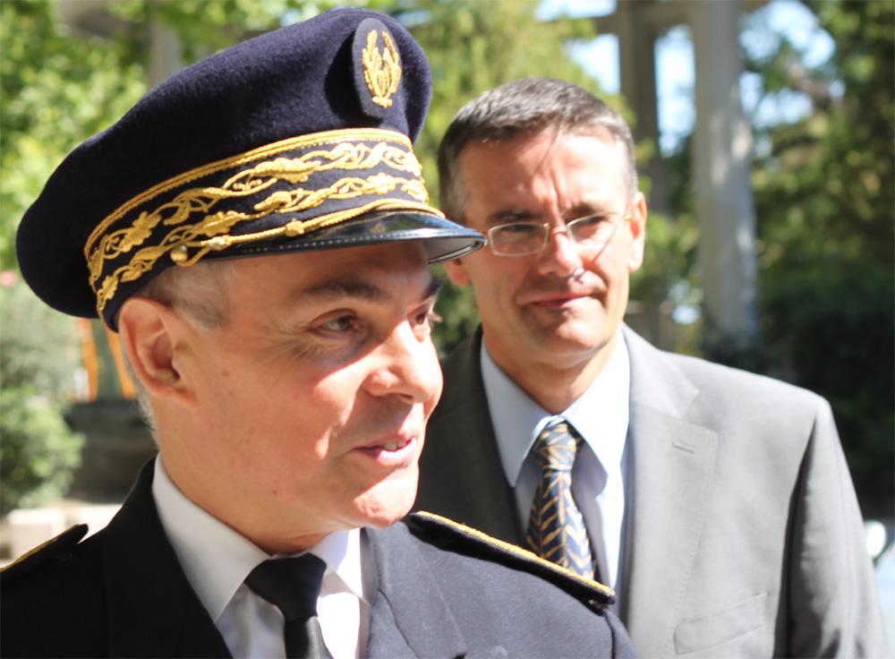 Le préfet Thierry Lataste et Nicolas Honoré, son directeur de cabinet de l'époque, le 23 juillet 2012 (photo : J.-O. T.)