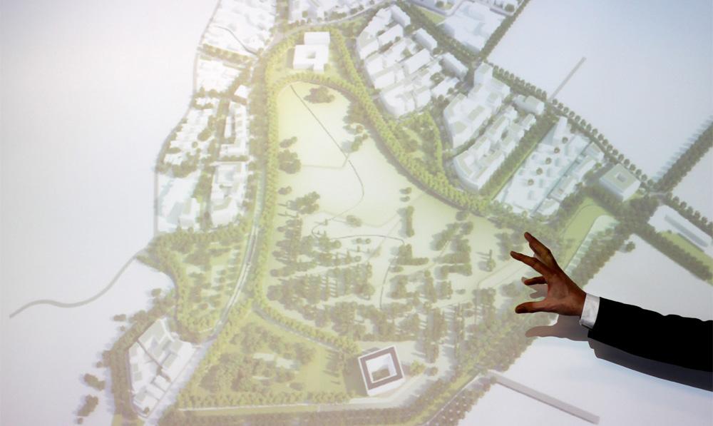 Le projet de reconversion du parc Montcalm à Montpellier tel que présenté par West 8 le 10 juillet 2013(photo : J.-O. T.)
