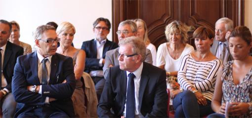 Jean-Pierre Moure (devant au centre) à son local de campagne le 6 septembre 2013 (photo : J.-O. T.)