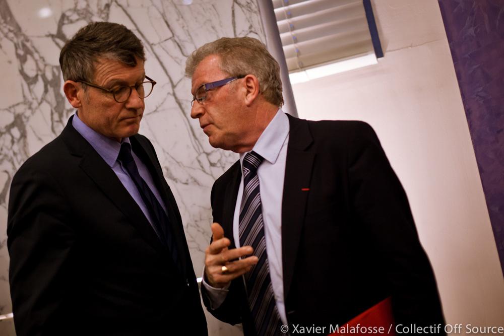 Vincent Peillon, ministre de l'éduction nationale et Jean-Pierre Moure, président de l'agglo de Montpellier et maire de Cournonsec le 20 février 2013 à l'hôtel d'agglo de Montpellier (photo : Xavier Malafosse)