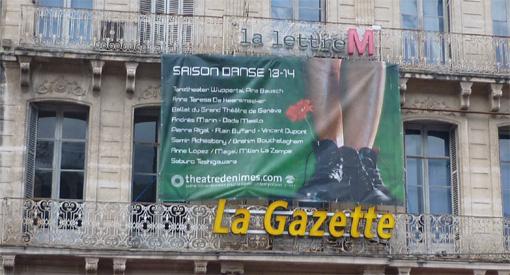 La façade de l'immeuble de La Gazette de Montpellier avec une publicité le 29 septembre 2013 (photo : J.-O. T.)