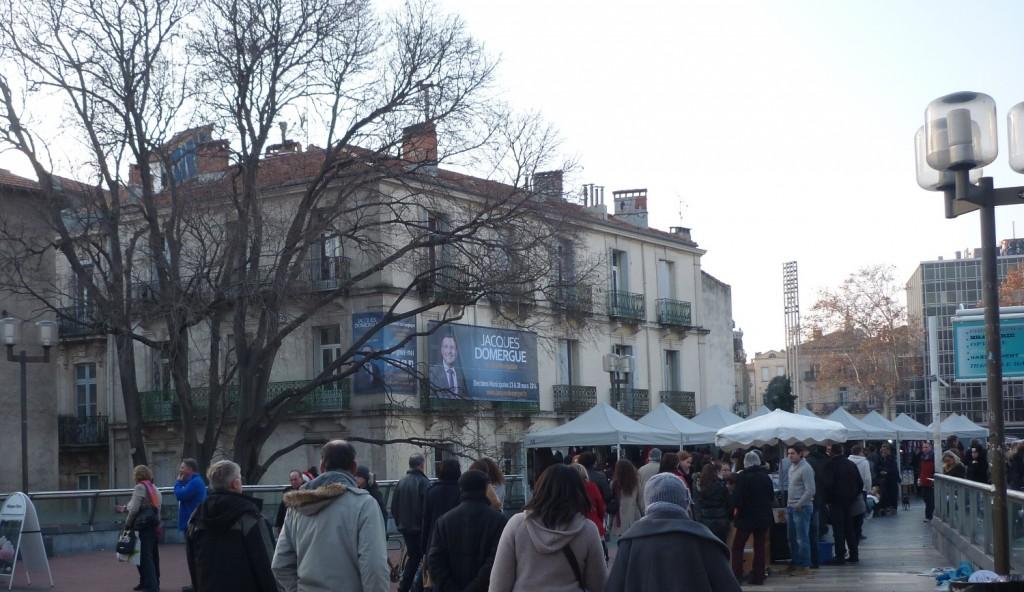 Bâche publicitaire sur la façade de la permanence électorale de Jacques Domergue (UMP) à Montpellier le 18 décembre 2013(photo : J.-O. T.)
