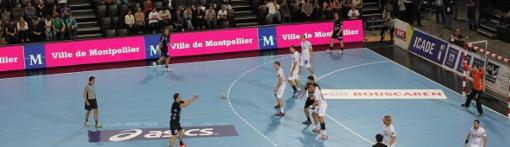 Match du MAHB et panneau ville de Montpellier lors d'un match le 25 octobre 2012 (photo : J.-O. T.)
