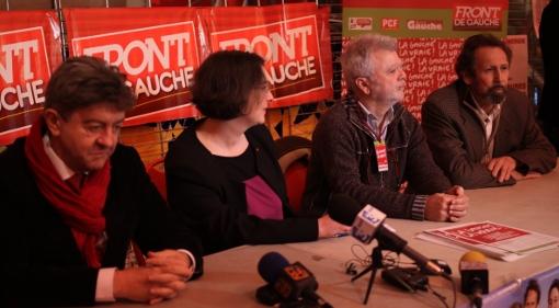 Jean-Luc Mélenchon, Muriel Ressiguier (PG), Francis Viguié (Ensemble) et Roger Moncharmont (PCF) le 19 février 2014 avant le meeting Front de gauche au Zenith de Montpellier (photo : J.-O. T.)