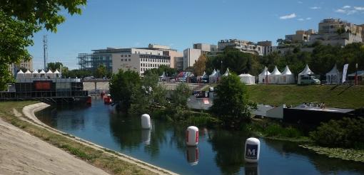 Le Fise 2014 occupe en mai les bords du Lez de l'Hôtel de région au pont Zuccarelli à Montpellier (photo : J.-O. T.)