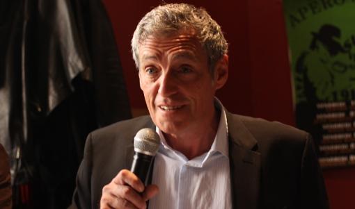 Philippe Saurel, maire de Montpellier, en conférence de presse au bar les Super Vedettes (Beaux arts) sur le stade du père Prévost le 9 mai 2014 (photo : J.-O. T.)