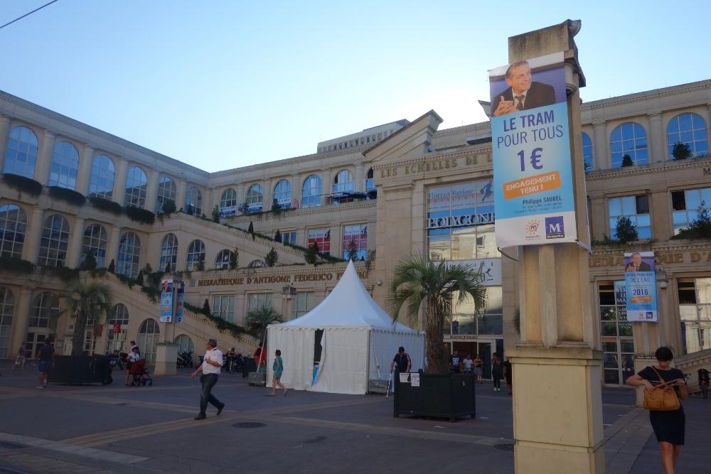 Publicités à la gloire de Philippe Saurel le 12 septembre 2014 à Montpellier (Antigone) (photo : J.-O. T.)