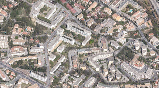 Les barres d'immeubles du quartier Las Rébès à Montpellier (photo : Google)