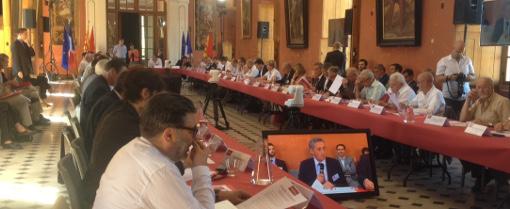 """Deuxième session du """"Parlement des territoires"""" au château de Castries le 20 juin 2015 (photo : Lucie Lecherbonnier)"""