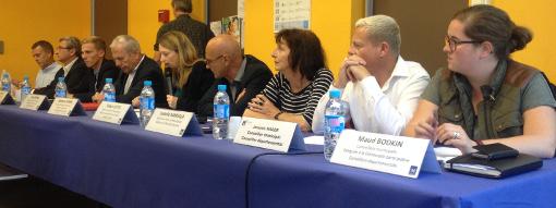 Des adjoints au maire de Montpellier lors de la réunion de concertation à la Cité Gély le 25 juin 2015 (Photo : Lucie Lecherbonnier)