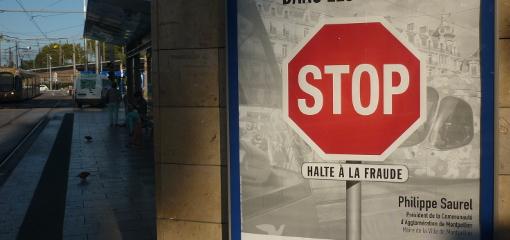 Campagne de publicité de l'agglo de Montpellier et de son président (divers droite), Philippe Saurel, le 21 octobre 2014 (photo : J.-O. T.)