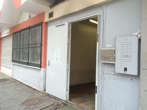 L'entrée de l'immeuble Font del Rey sur le Grand mail de la Paillade à Montpellier le 3 mars 2016 (photo : Lucie Lecherbonnier)