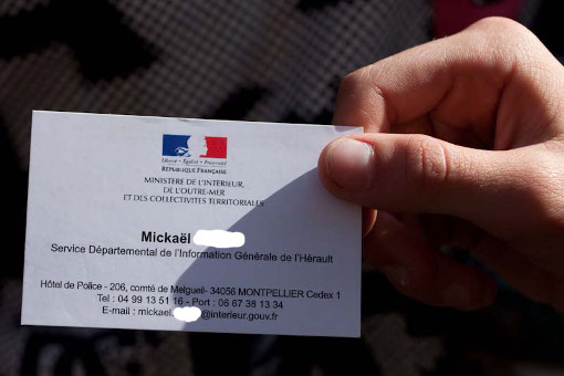 Carte de visite de Mikaël, policier des renseignements à Montpellier